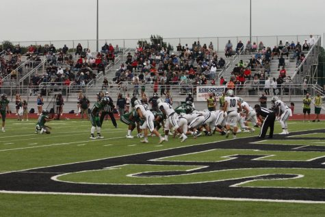 Edmond North VS Edmond Santa Fe, Santa Fe lines up to make an extra point after a touchdown.