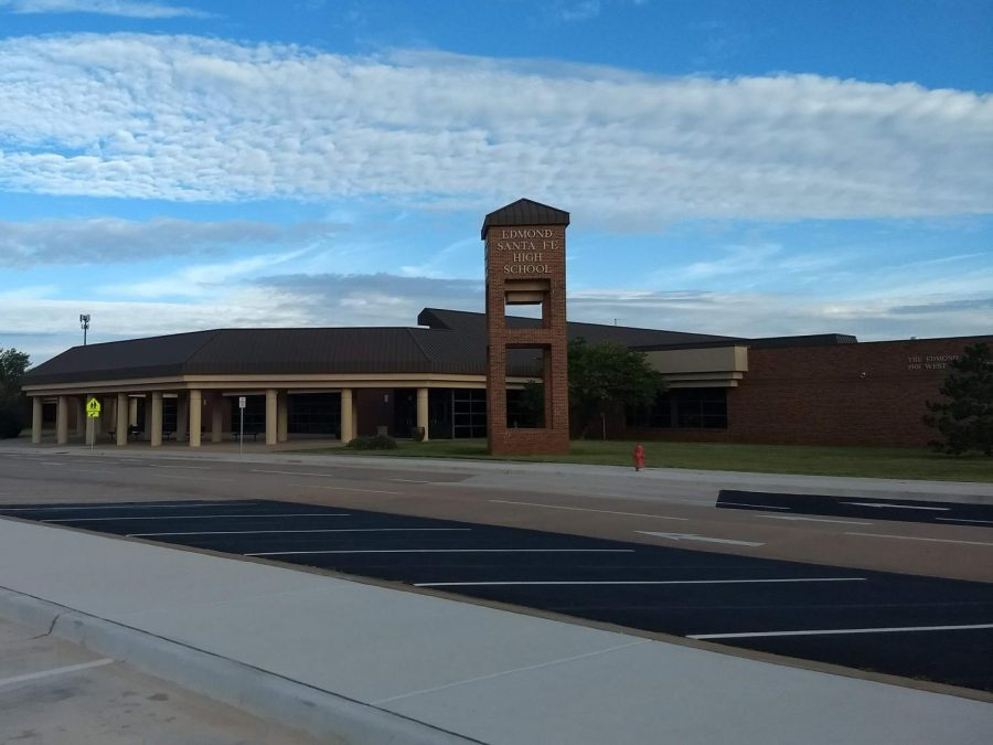 Santa Fe High School, Exterior View